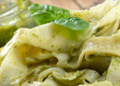 Pasta mit Petersilie-Knoblauch-Pesto